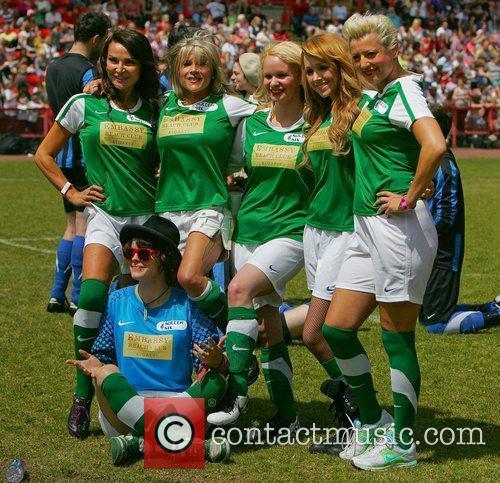 Liz Cundy, Samantha Fox, Tina Campbell, Gem Allen,...