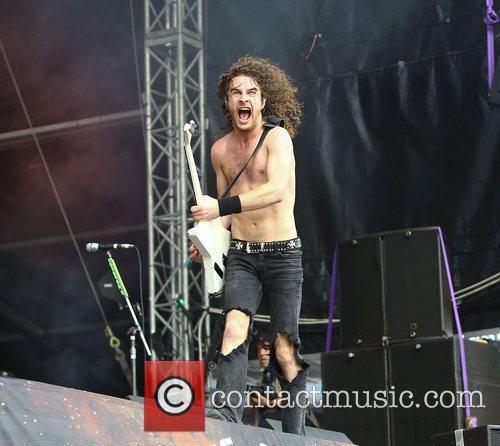 Airbourne 12