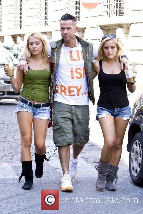 Mike The Situation Sorrentino and twin female companions...