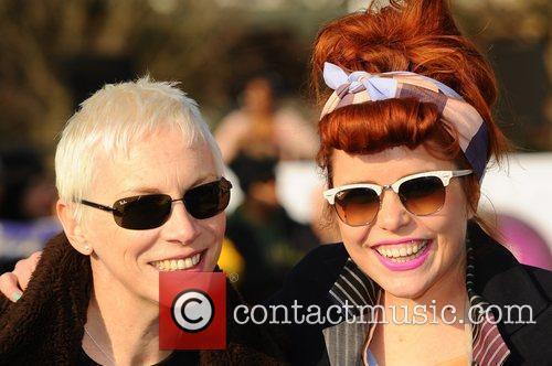 Annie Lennox and Paloma Faith Celebrities dance the...