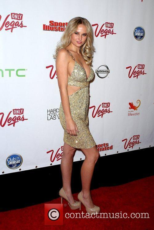 Genevieve Morton and Las Vegas 8