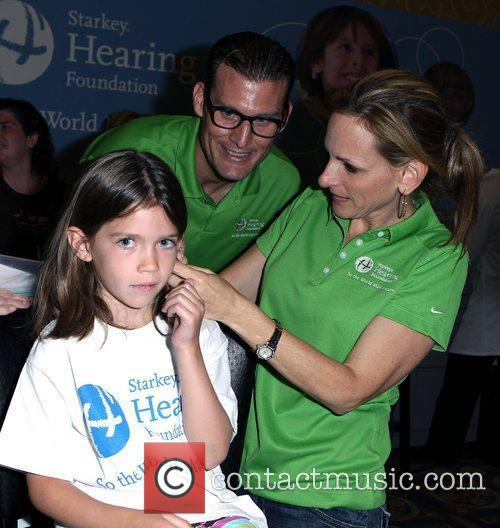 Guests and Marlee Matlin 5