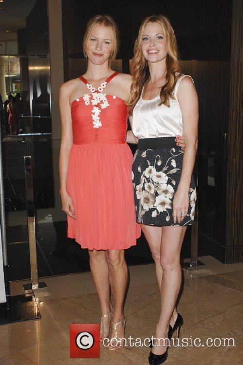Sarah Jane Morris and Beverly Hilton Hotel 2