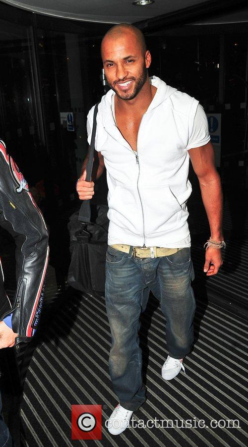 Ricky Whittle arrives in Liverpool ahead of the...