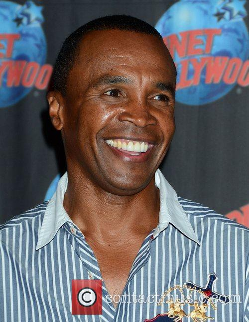 Sugar Ray Leonard, The Ring, Planet Hollywood and Times Square 4