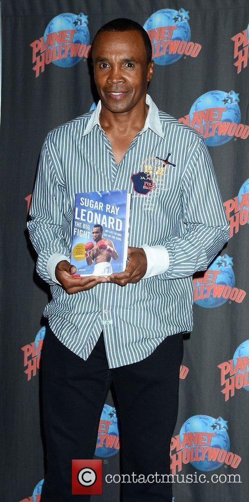 Sugar Ray Leonard, The Ring, Planet Hollywood and Times Square 6