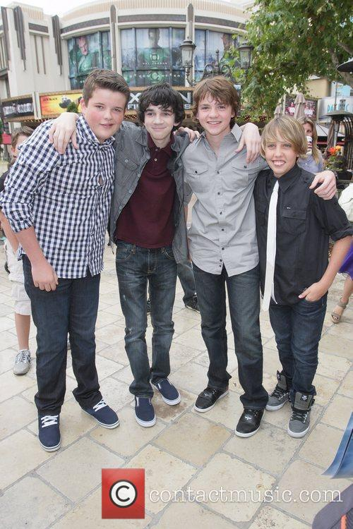 Riley Griffiths, Joel Courtney, Ryan Lee and Zach Mills 4