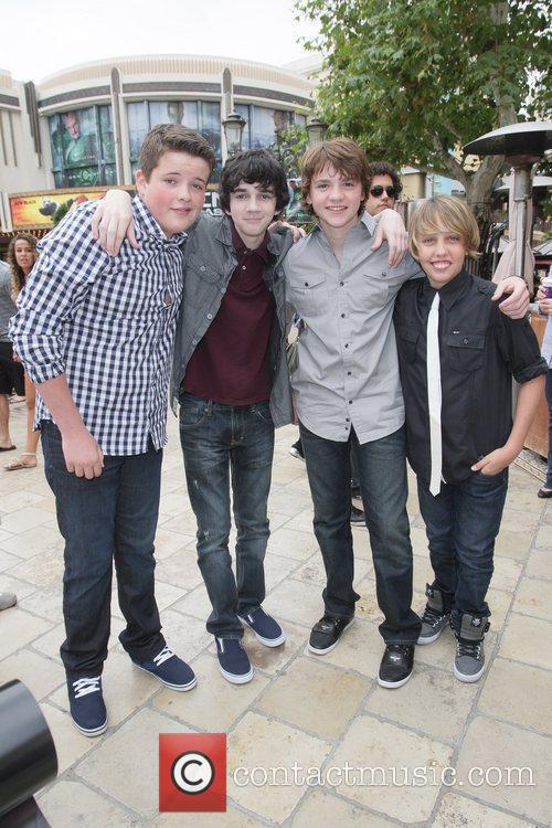 Riley Griffiths, Joel Courtney, Ryan Lee and Zach Mills 6