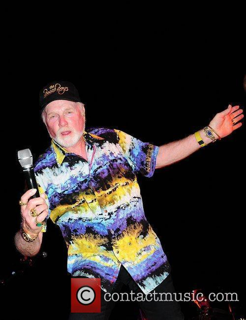 Mike Love and Beach Boys 8