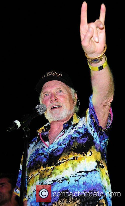 Mike Love and Beach Boys 3