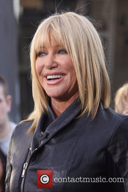 Suzanne Somers  is interviewed by Mario Lopez...