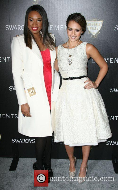 Jennifer Hudson and Jessica Alba 8