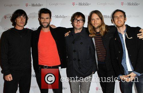 James Valentine, Adam Levine, Jesse Carmichael, Maroon 5, Matt Flynn and Mickey Madden 1