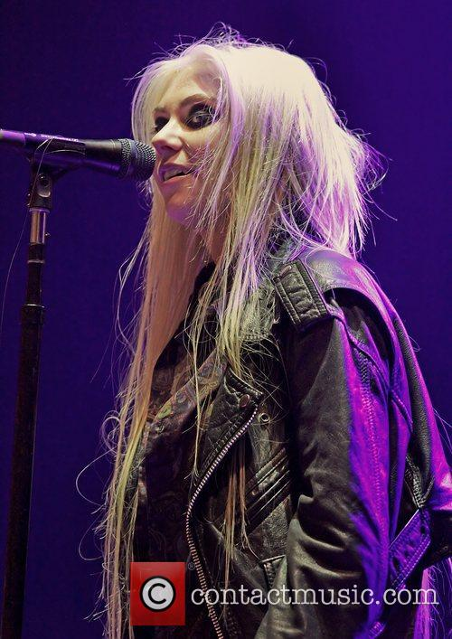 Taylor Momsen, The Pretty Reckless and Manchester Apollo 2