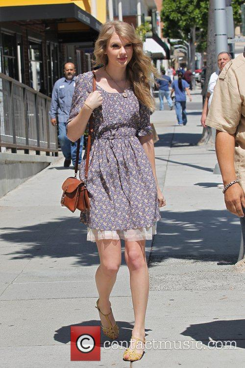 Taylor Swift  after shopping at Anthropology in...