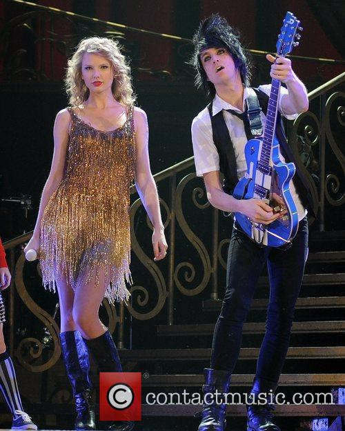 Taylor Swift 38