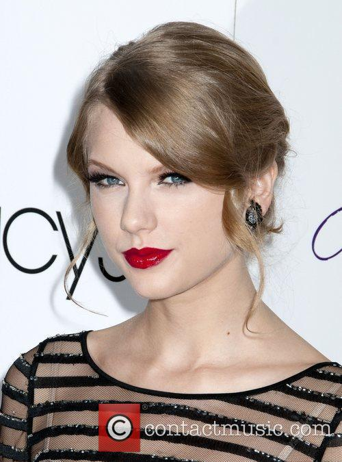 Taylor Swift and Macy's 2