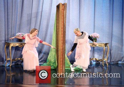 Taylor Swift and Ellen Degeneres 2