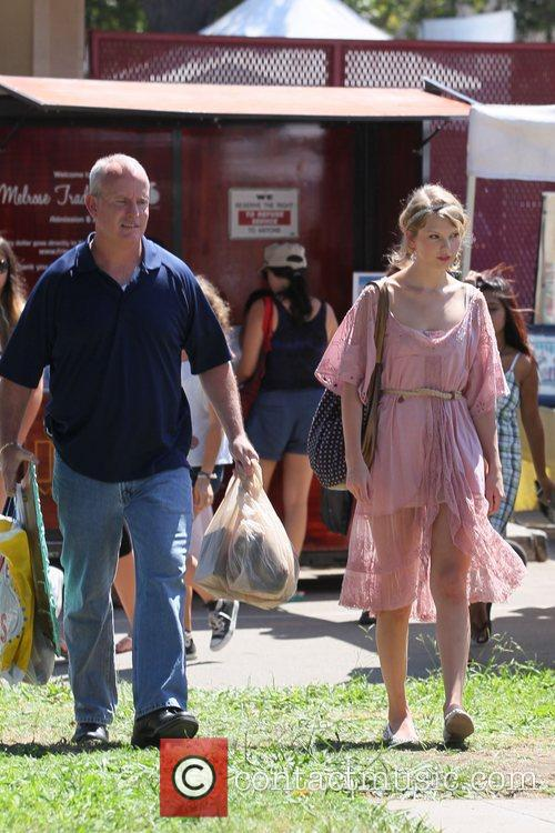Taylor Swift and Flea 27