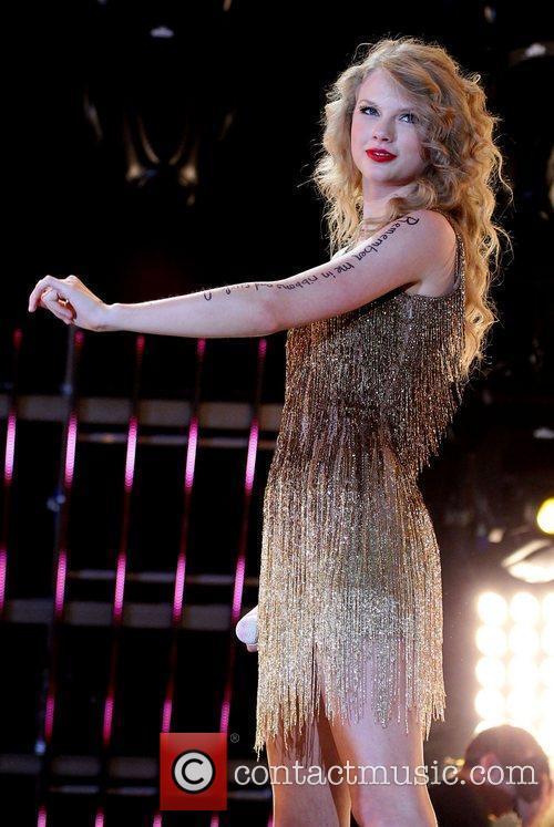 Taylor Swift 54