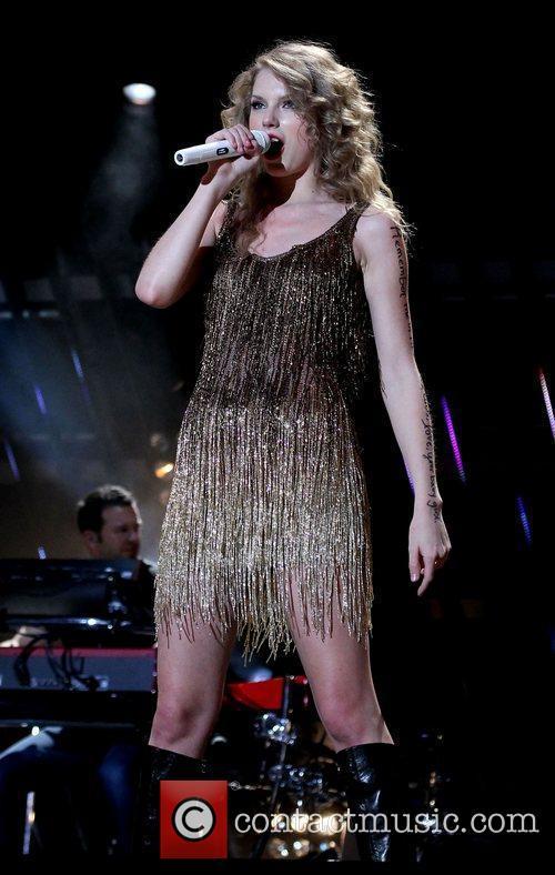 Taylor Swift 26