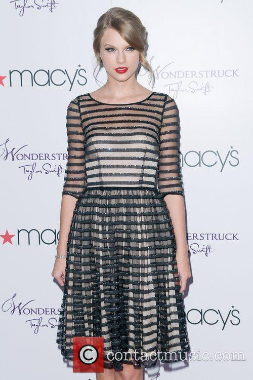Taylor Swift and Macy's 11