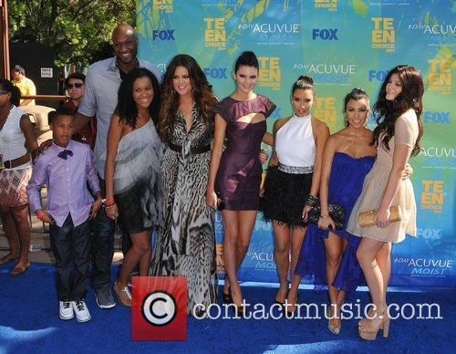 Lamar Odom, Khloe Kardashian, Kim Kardashian, Kourtney Kardashian and Kylie Jenner 1