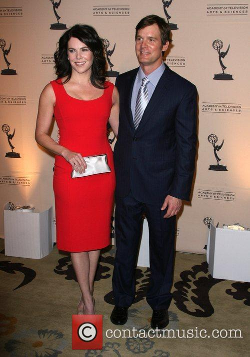 Lauren Graham and Peter Krause 10