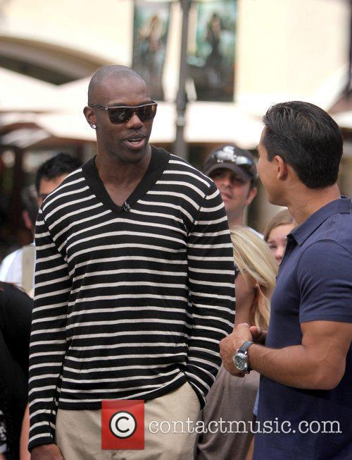 Terrell Owens and Mario Lopez 25