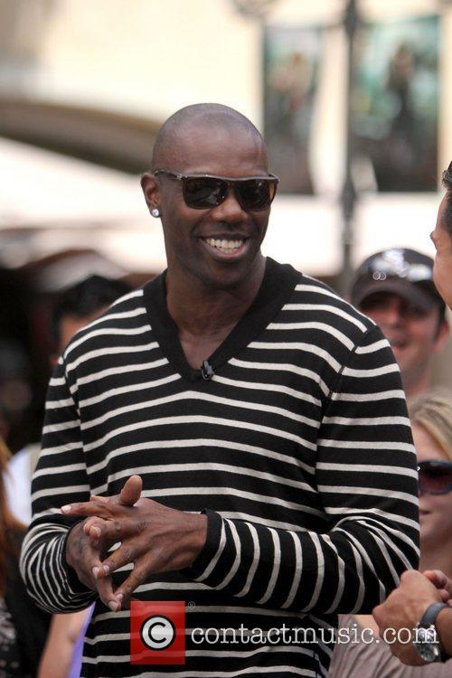 Terrell Owens and Mario Lopez 16