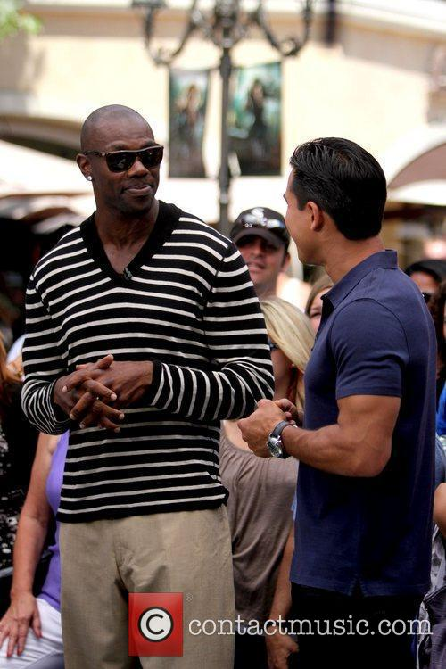 Terrell Owens and Mario Lopez 7