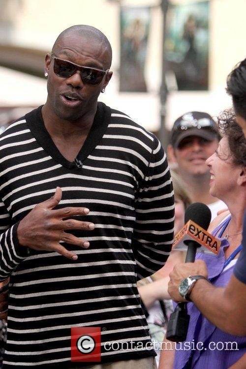 Terrell Owens and Mario Lopez 14