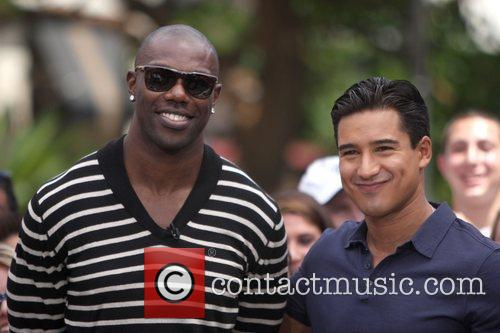 Terrell Owens and Mario Lopez 19