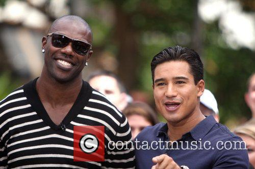 Terrell Owens and Mario Lopez 12