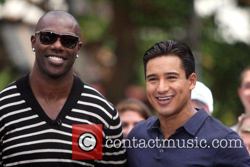 Terrell Owens and Mario Lopez 9