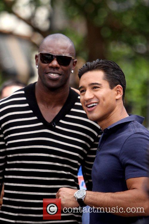 Terrell Owens and Mario Lopez 2