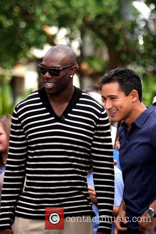 Terrell Owens and Mario Lopez 6
