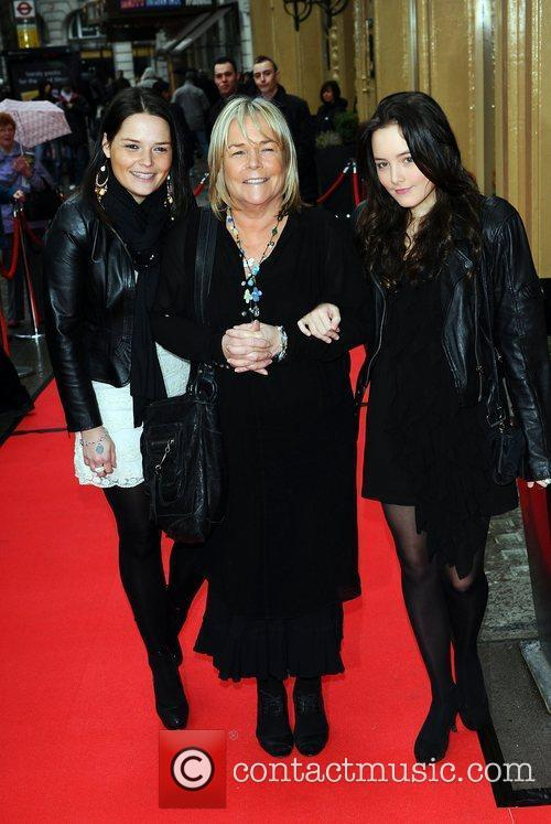 Linda Robson and her daughters at the Tesco...