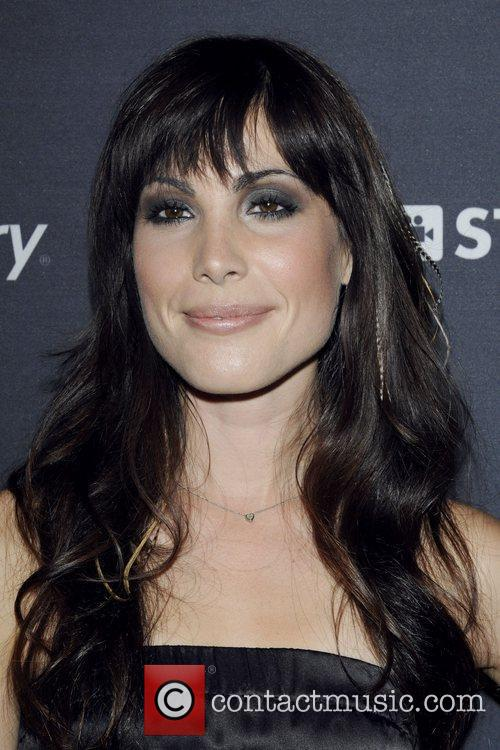 Carly Pope 6