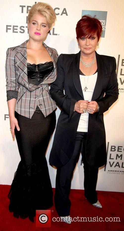 Kelly Osbourne and Sharon Osbourne 4