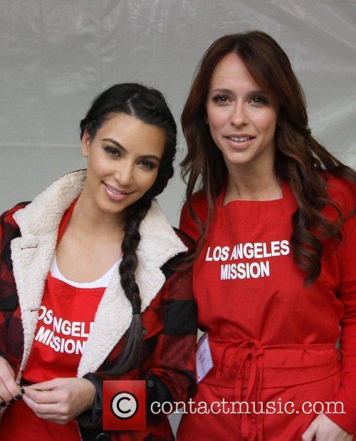 Kim Kardashian and Jennifer Love Hewitt 7