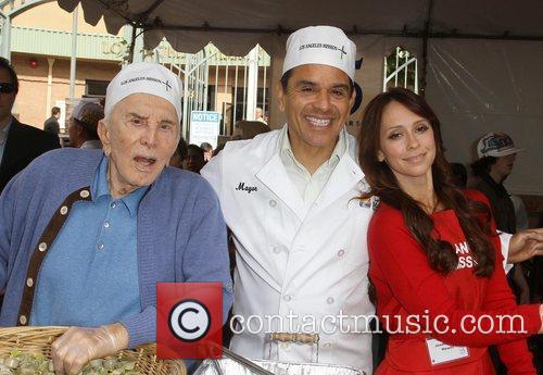 Kirk Douglas, Antonio Villaraigosa and Jennifer Love Hewitt 7