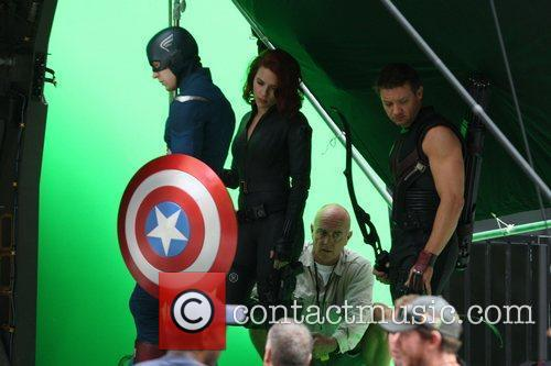 Chris Evans, Jeremy Renner and Scarlett Johansson 5
