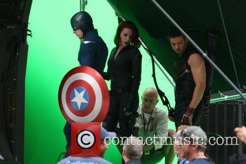 Chris Evans, Jeremy Renner and Scarlett Johansson 8