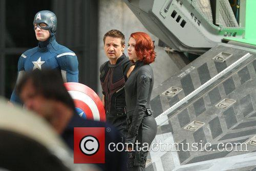Chris Evans, Jeremy Renner and Scarlett Johansson 3