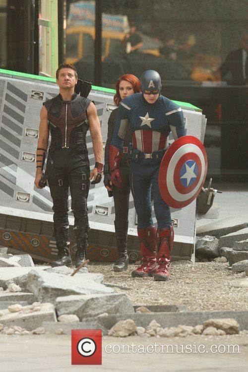 Chris Evans, Jeremy Renner and Scarlett Johansson 6