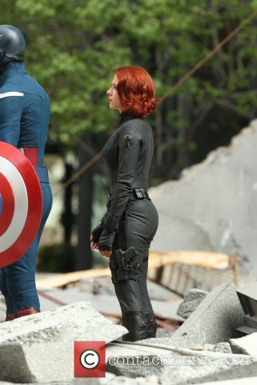 Chris Evans and Scarlett Johansson 4