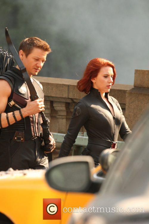 Scarlett Johansson and Jeremy Renner 10