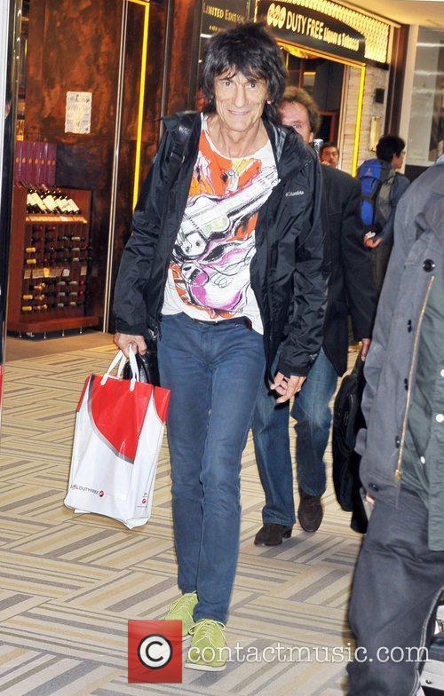 Ronnie Wood The Faces arrive at Narita International...