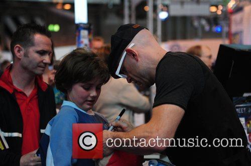 Jason Bradbury signs autographs at The Gadget Show...